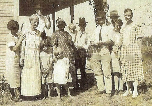 Pifer McKeehan Family 1922